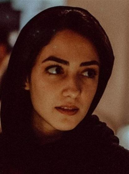 Reader Yasmina