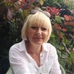 Reader Melanie Tarot